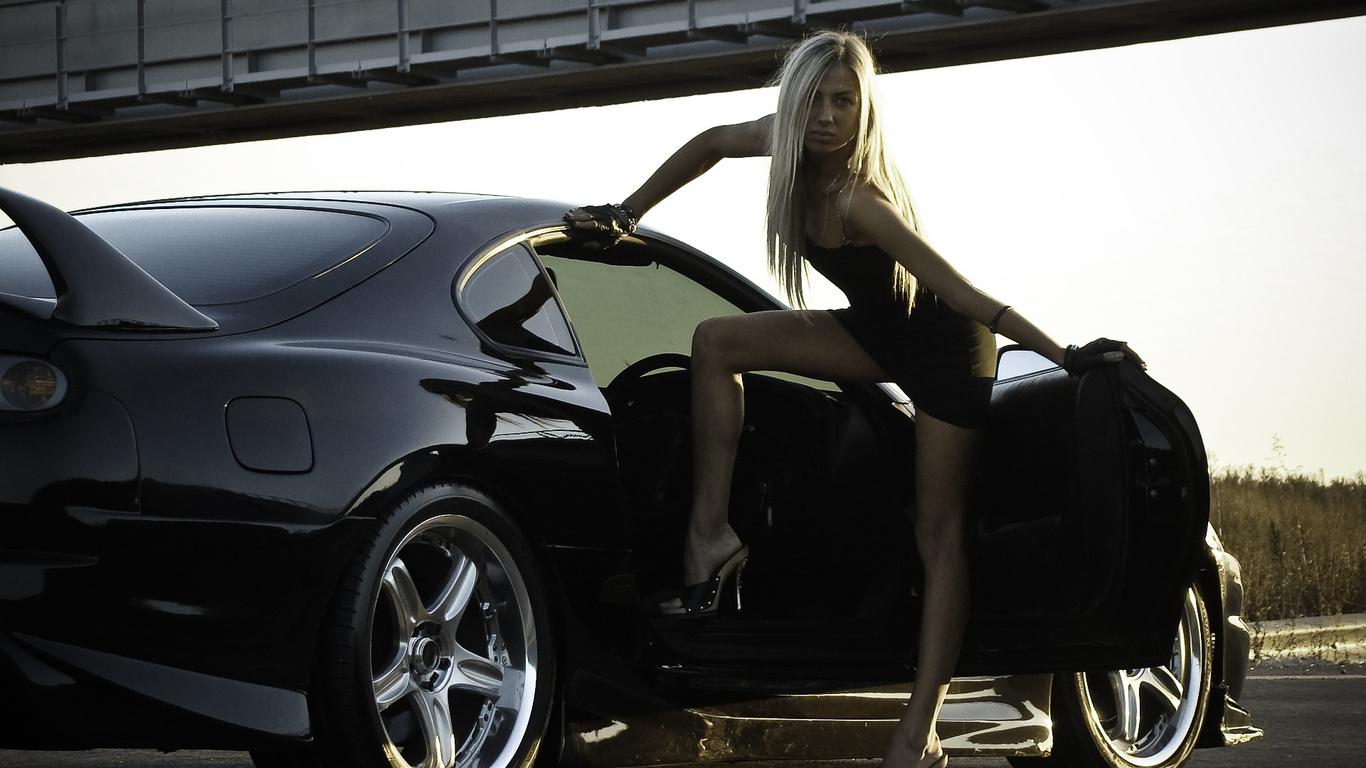 Фото блондинок с машиной