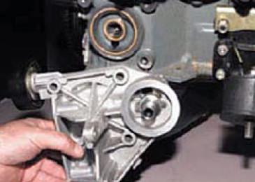 Замена уплотнительных колец кронштейна масляного фильтра