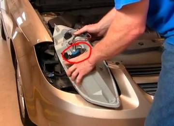 Замена передних фар и ламп в фарах на Chevrolet Cobalt