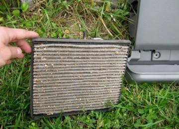 Замена салонного фильтра и чистка моторчика печки