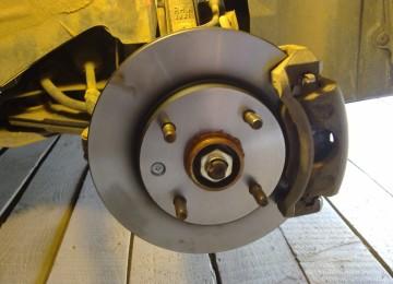 Замена передних тормозных дисков 2