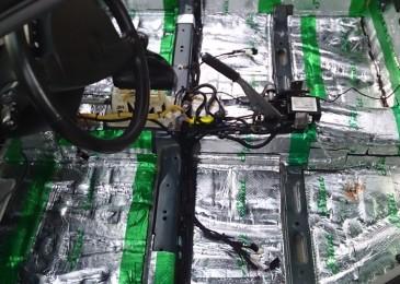 Шумовиброизоляция пола и прокладка кабелей