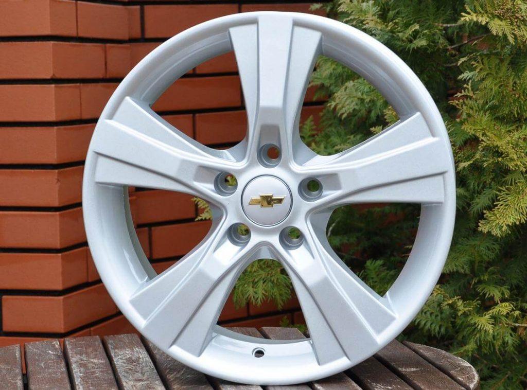 Плюсы в использовании литых автомобильных дисков